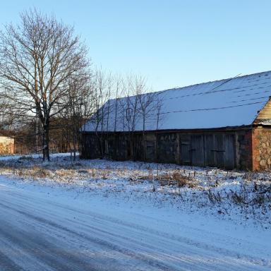 Подлинные хозяйственные постройки в усадьбе Богдановское