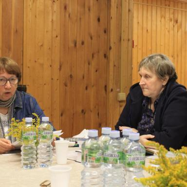 Доклад О.А. Богдановой на семинаре об усадьбах в русском символизме, рядом С.М. Мисочник